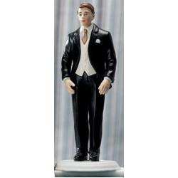Brudgum i svart kostym
