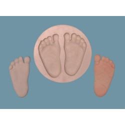 Babyfötter - två st