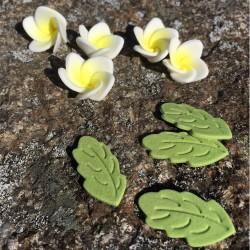 Blommor och blad, vit (PME)